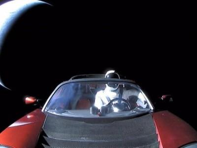 ستاره شناسان تصویر تسلا رودستر ایلان ماسک را در فضا ثبت کردند